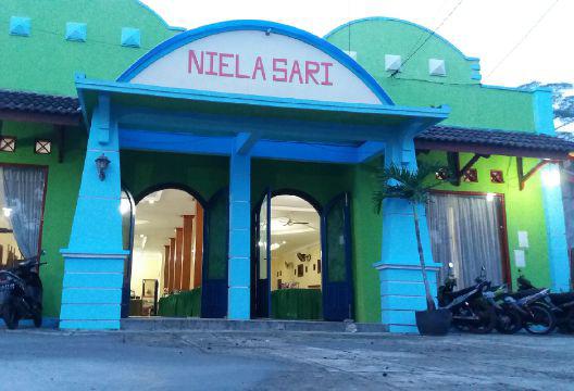 niela-sary-resto-gedung